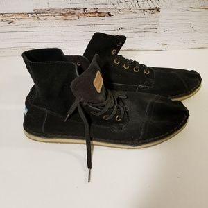 Never worn TOMS black sneakers